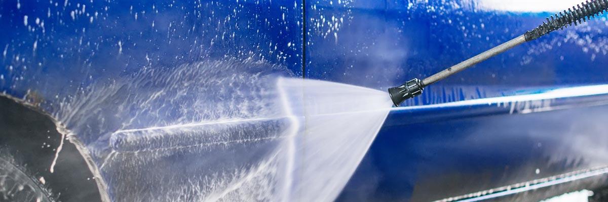 Je auto wassen met een hogedrukreiniger? Zo doe je dat!