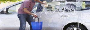 Hoe je auto wassen als je geen tuinslang kunt gebruiken?
