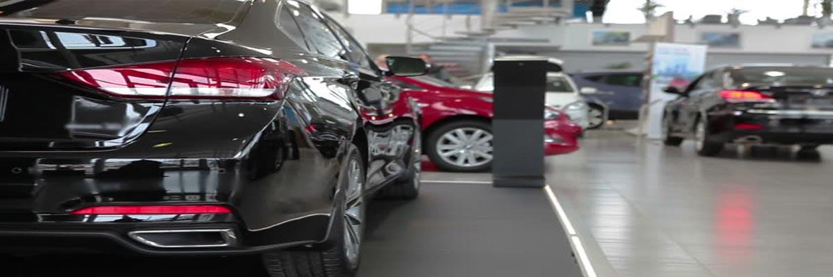 Een nieuwe auto wassen? Tips om de glans de behouden en krasjes te voorkomen!