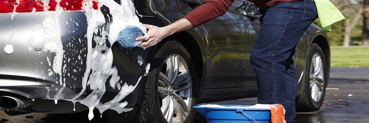 Welke hulpmiddelen je liever niet gebruikt om je auto te wassen!